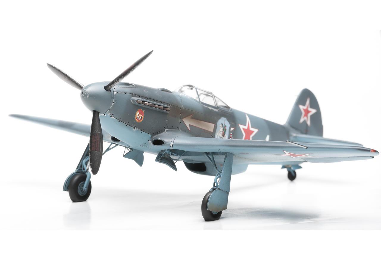 Модель копия одного из лучших истребителей                                2-й мировой войны PML-4001 Як-3
